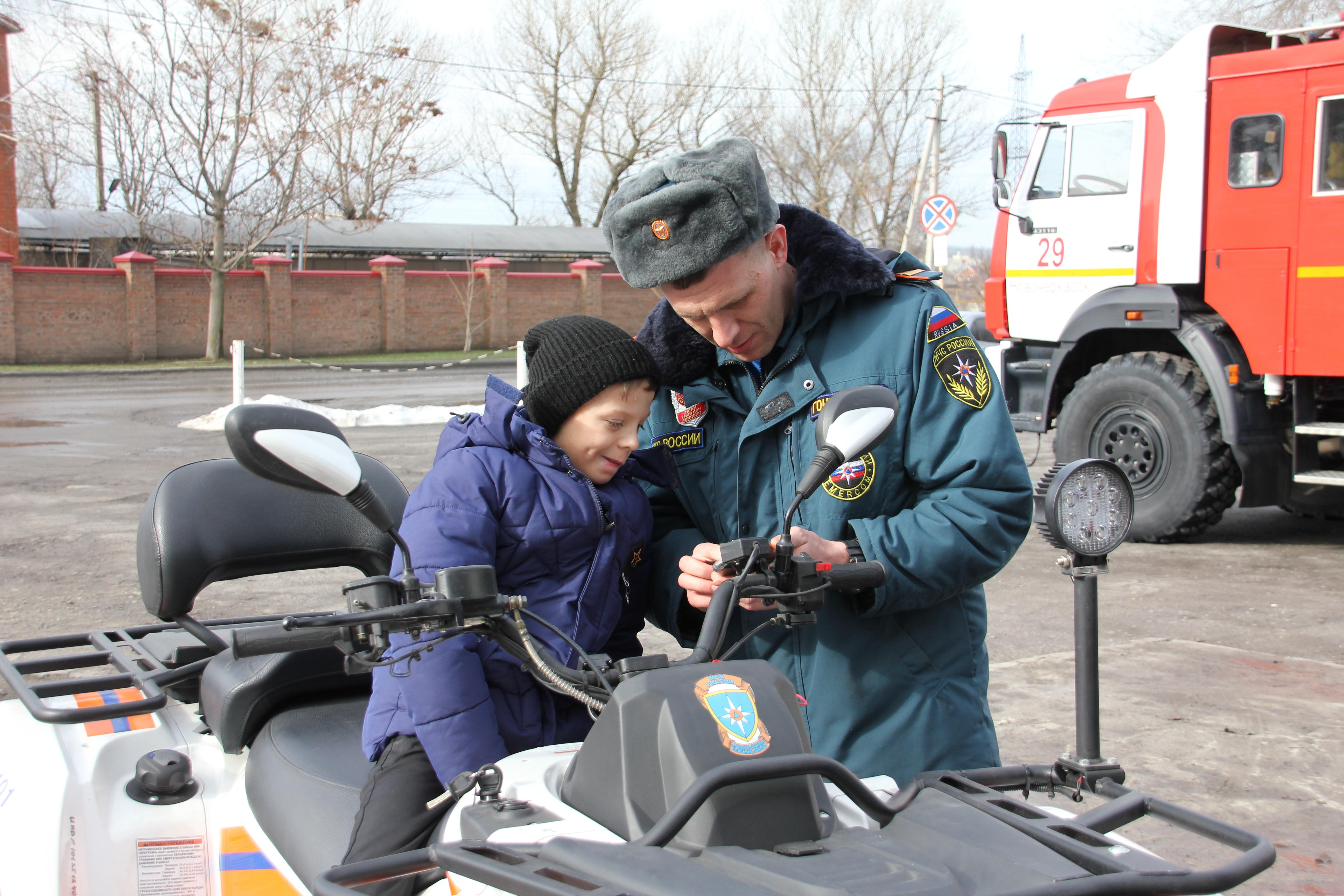 Пожарный из Ростовской области  Владислав Гончаров стал популярным блогером