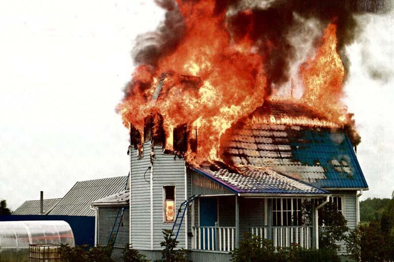 Пожар в частном жилом доме в Миллеровском районе