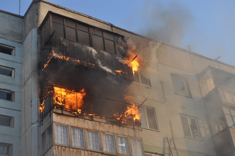 Пожар в жилом доме в г. Донецке