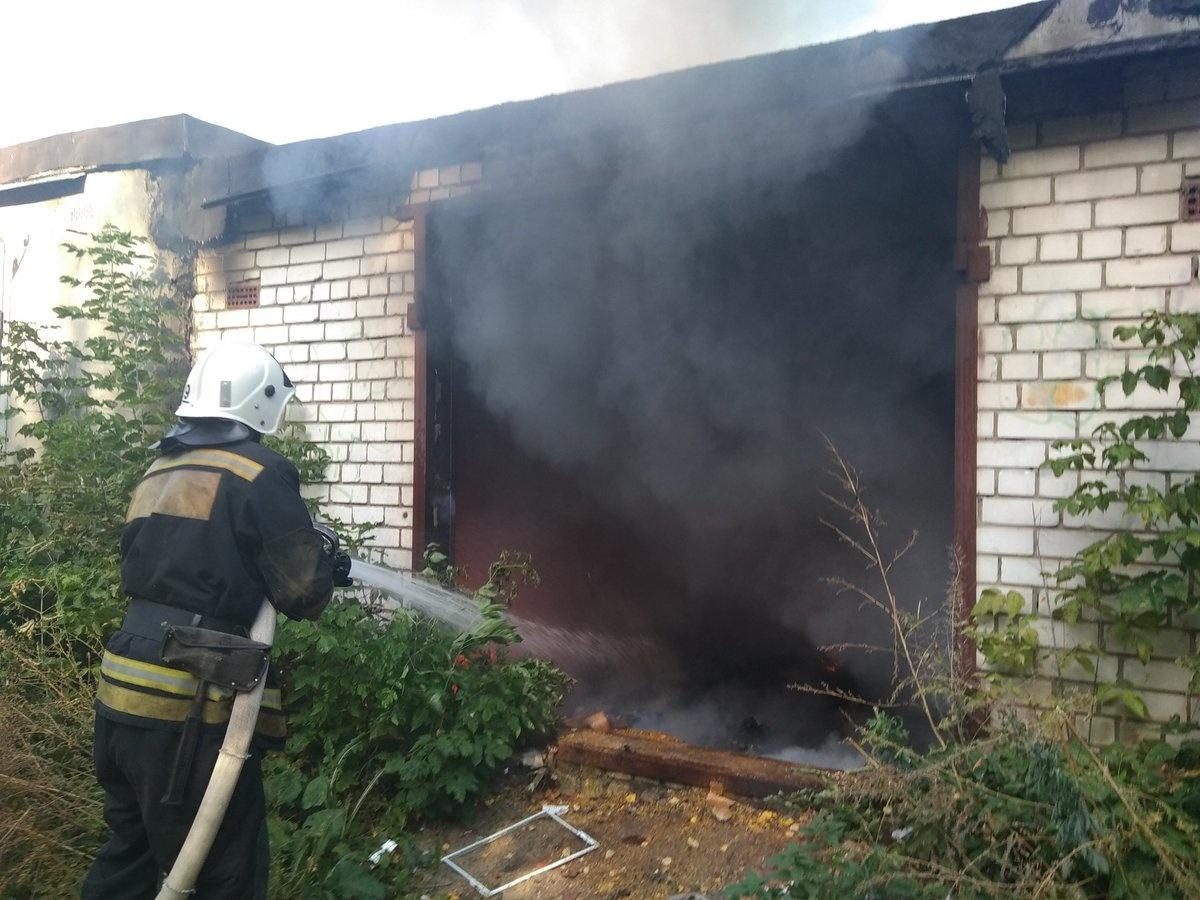 Пожар в гараже в г. Волгодонске