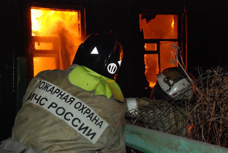 Пожар в частном доме в Боковском районе