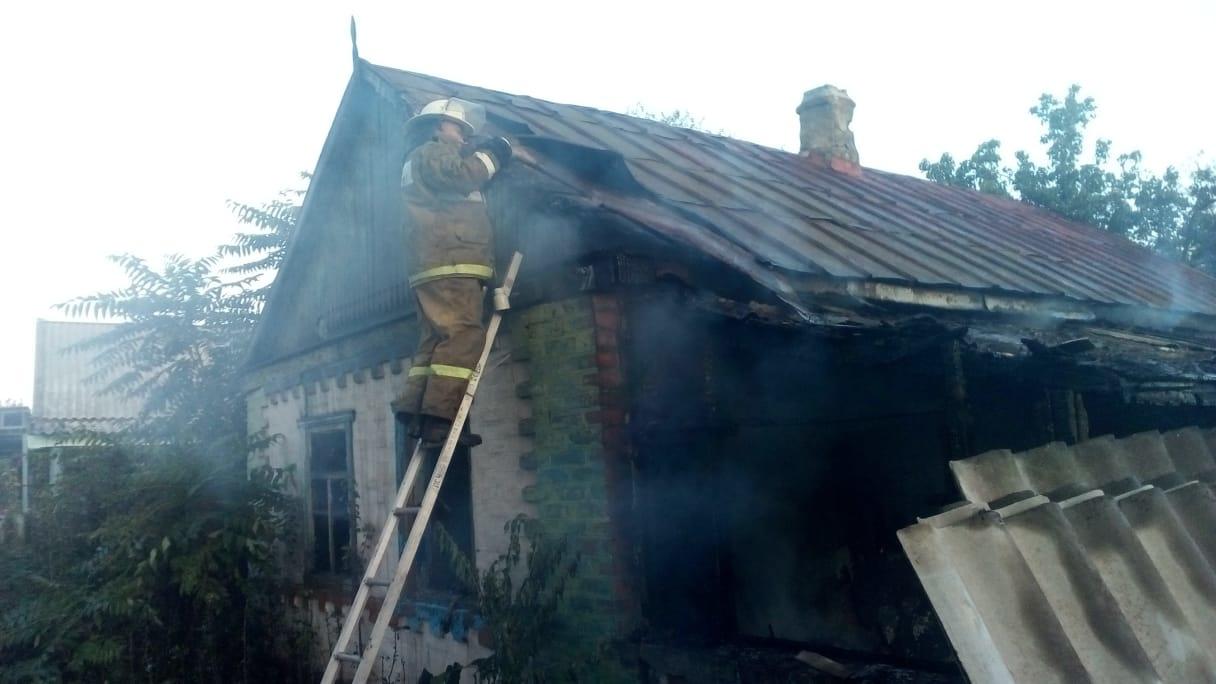 Пожар в жилом доме в Зерноградском районе