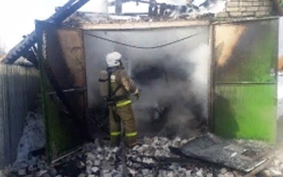 Пожар в гараже в Весёловском районе