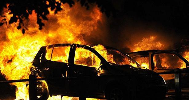 Возгорание автомобиля в г. Азове
