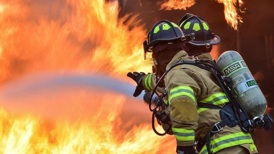 Пожар в административном здании в г. Шахты