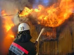 Пожар в бесхозном здании в г. Шахты