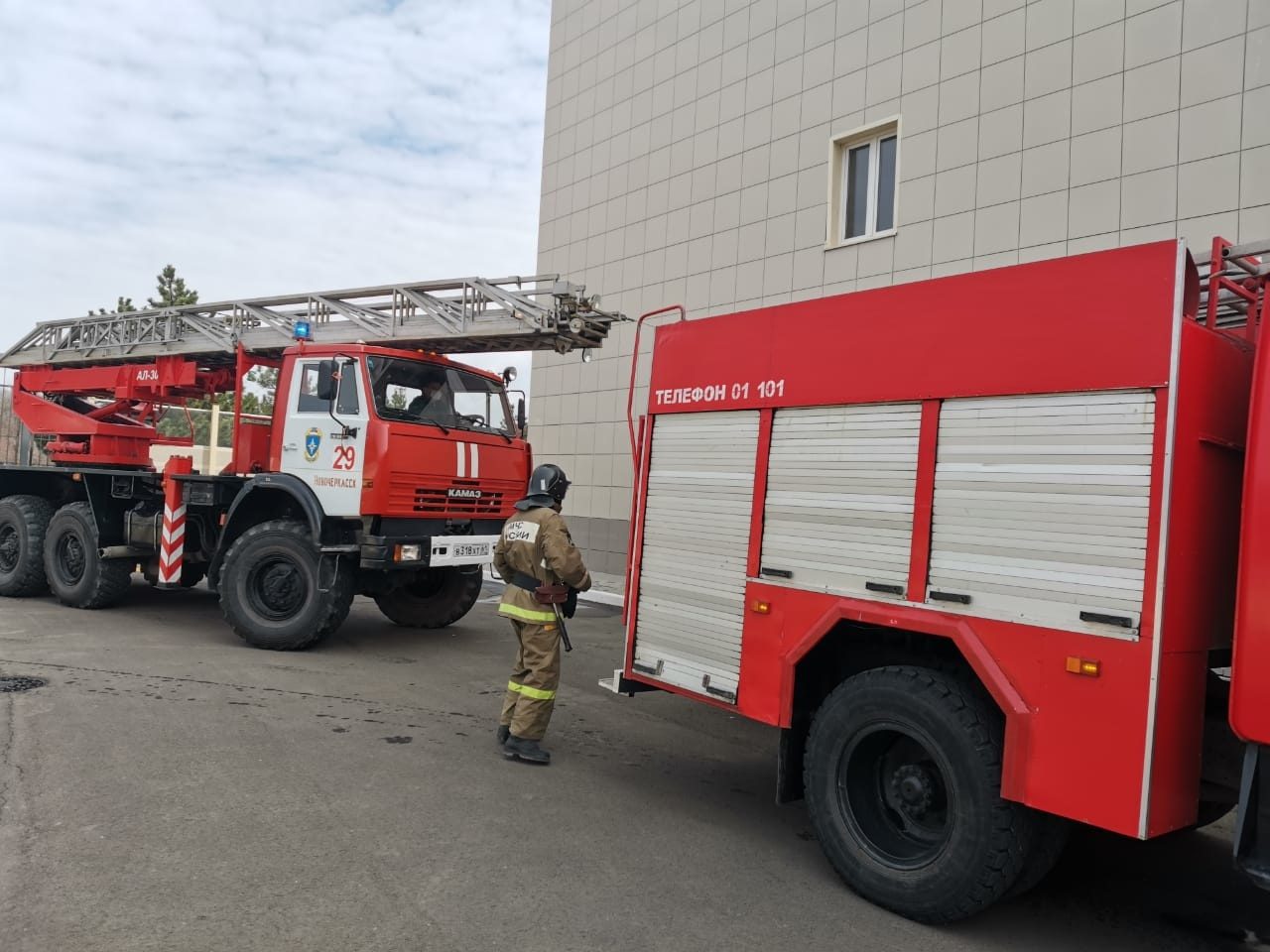 Тренировка по эвакуации прошла в спортивном комплексе г. Азова