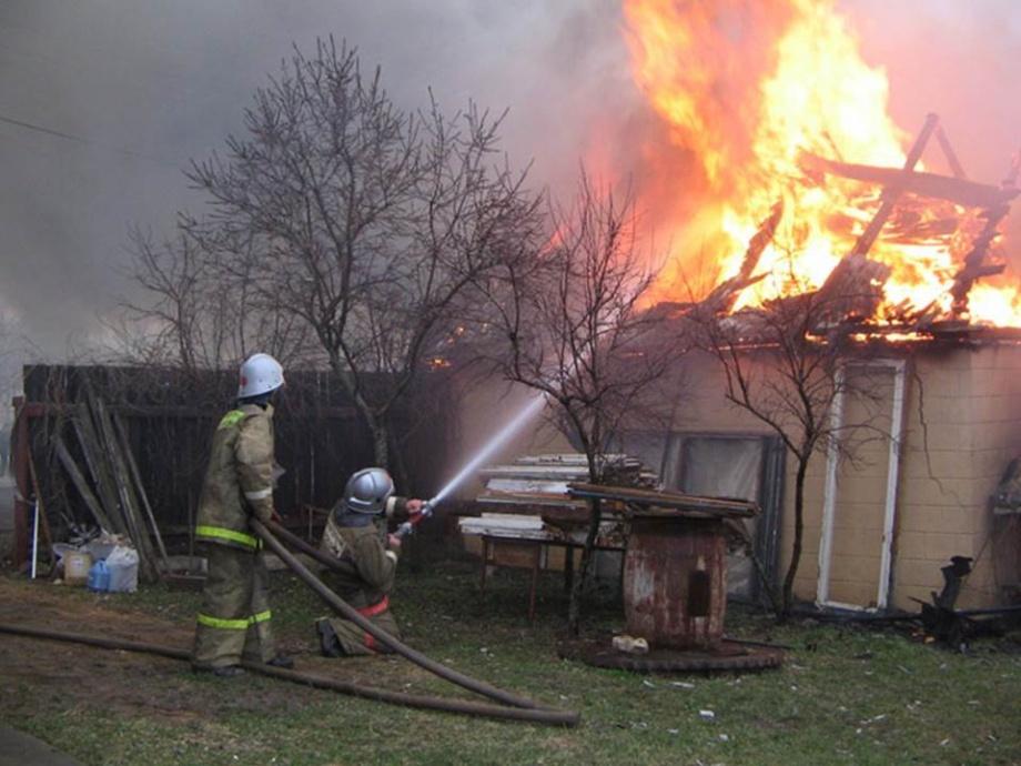 Пожар в летней кухне в Целинском районе