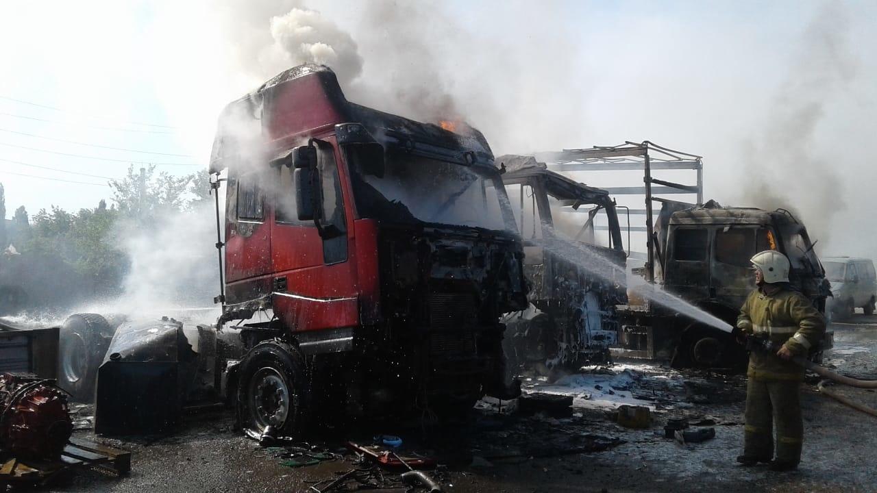 Возгорание грузового автомобиля в Аксайском районе