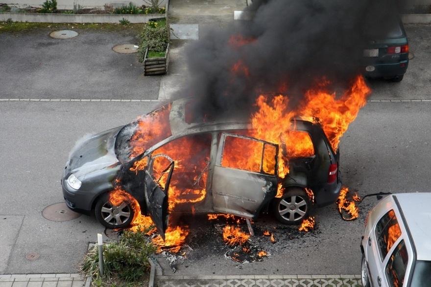 Возгорание автомобиля в Кашарском районе