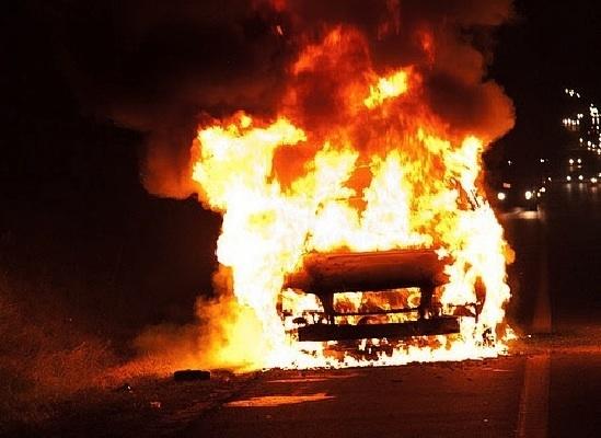 Возгорание автомобиля в Октябрьском районе