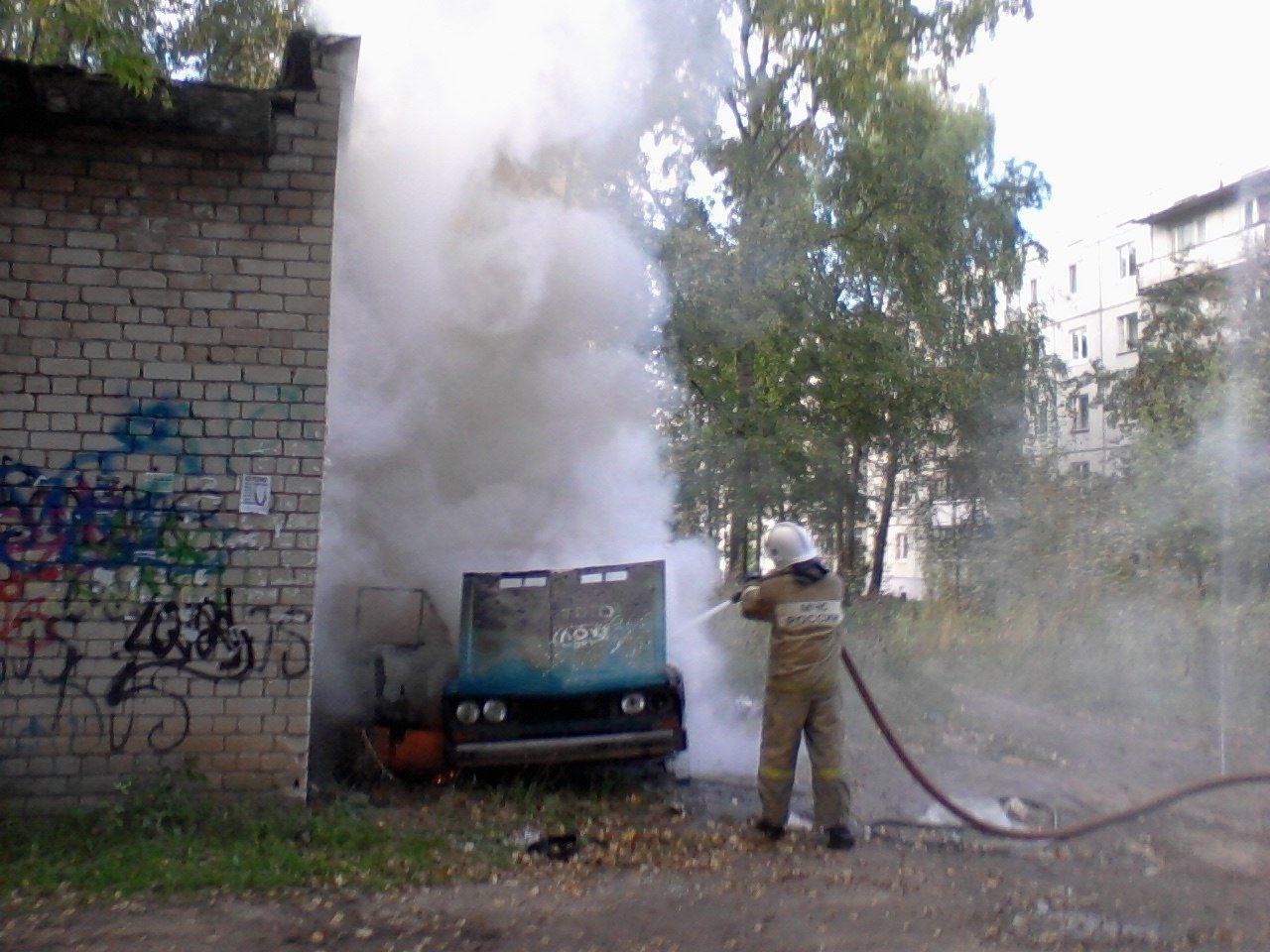 Возгорание автомобиля в г.Новошахтинске