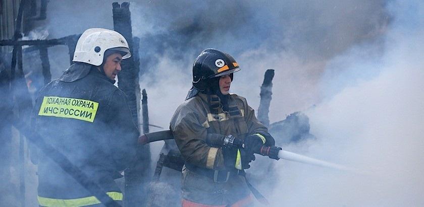 Пожар в бесхозном строении в г. Морозовске