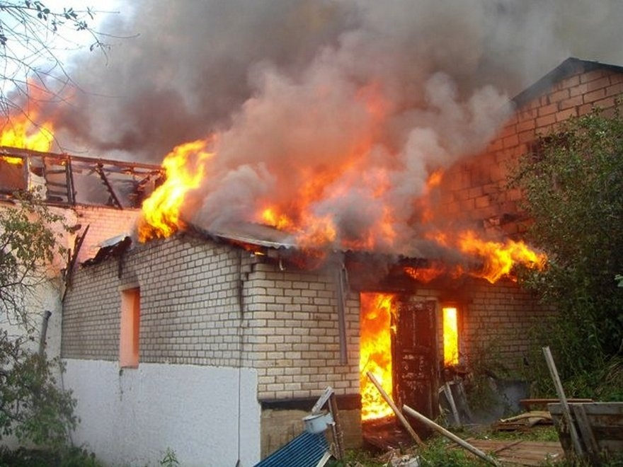 Пожар в летней кухне в Обливском районе