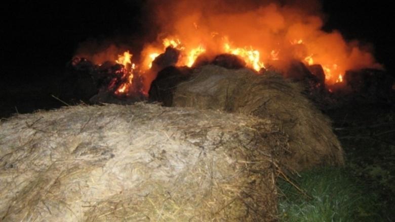 Возгорание сена в Зимовниковском районе